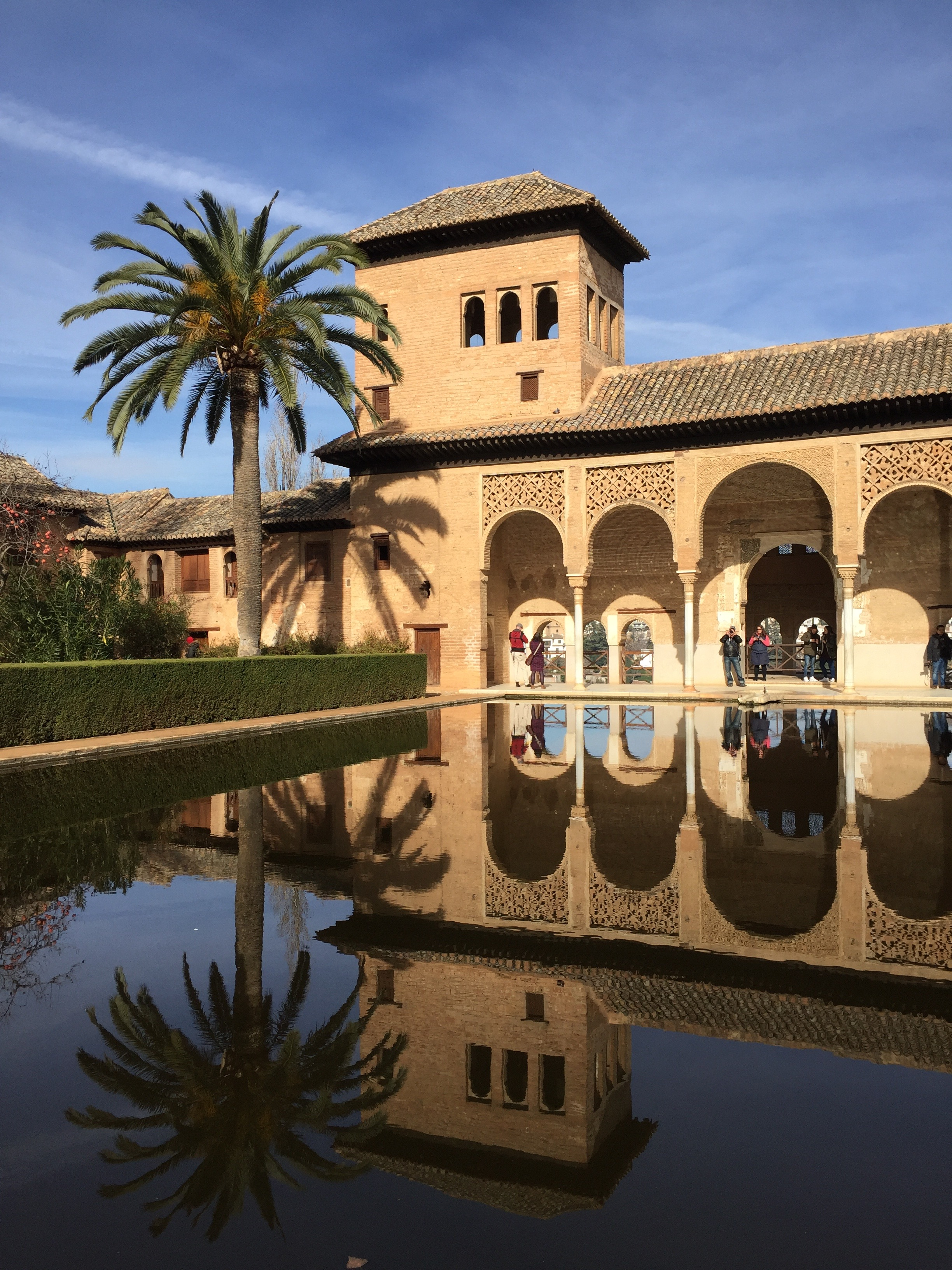 alhambra christian personals The alhambra resembles many medieval christian strongholds in its threefold arrangement as a castle,  a triumphal arch dating from the 15th century.